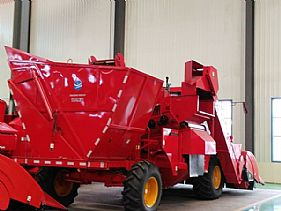 TR9988-6A Self-propelled Corn Combine Harvester