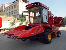 TR9988-3700 Self-propelled Corn Picker